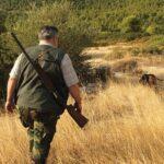 """Επίθεση σε 76χρονο κυνηγό στη Βόρεια Εύβοια: """"Παππού τι σου φταίνε τα ζωάκια και τα σκοτώνεις"""";"""