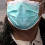 Κορωνοϊός - Μάσκα: Πού θα πρέπει να τη φοράμε, η σωστή χρήση της και οι κίνδυνοι