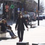 Ηλίας Μόσιαλος: Δέκα ερωτήσεις και απαντήσεις για τους κινδύνους από την χαλάρωση των μέτρων
